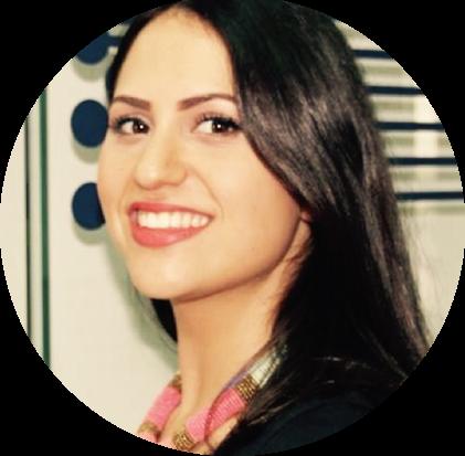 """روان أبو شعيرة هي ريادية فلسطينية وطالبة ماجستير في ادارة الأعمال والتكنولوجيا في كلية التجارة الخاصة بجامعة نونتغهام البريطانية. عملت روان كمنسقة لبرنامج الريادة الالكترونية في مؤسسة قيادات قبيل حصولها على منحة الحكومة البريطانيا لبناء القيادات حول العالم """"تشيفنينغ""""."""